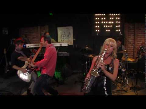 "Saxophonist Mindi Abair ""Any Way You Wanna"" Live in Los Angeles"