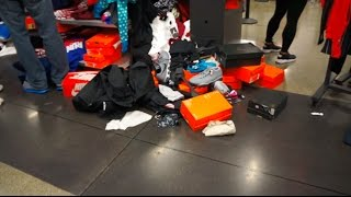 Black Friday Sale Destroys Nike Outlet - Seattle Premium Outlet
