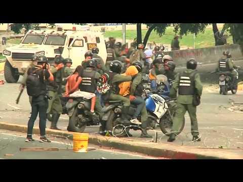 Clima de tensão toma conta de Caracas