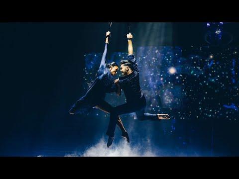 På galet hög höjd – här öppnar Jasmine och Aaron Let's dance