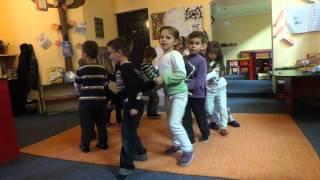 Vallja e pinguinit - penguin dance at Qendra Kreative