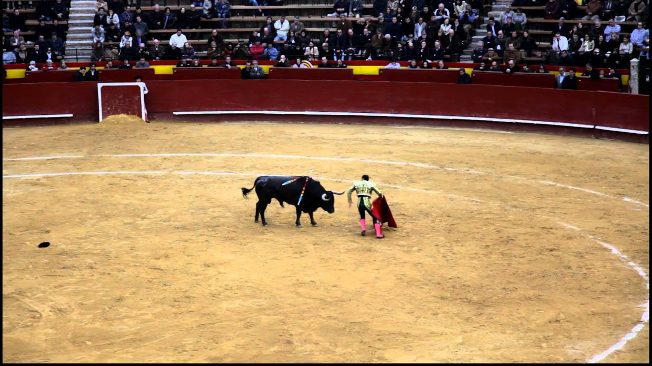 Bullfighting corrida toros spain valencia youtube for Watches of spain