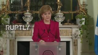 UK: Sturgeon calls for second Scottish independence referendum ahead of Brexit