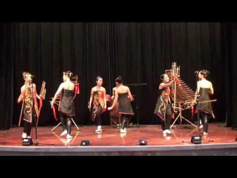 1.hoa tau tre nua Ngay hoi vung cao (Festival moutainous region bamboo concert).flv