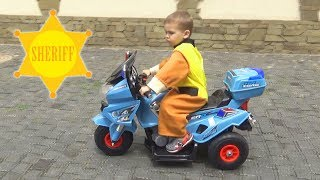 Dima ontpakt nieuwe kinderfiets / Dima en Auto's