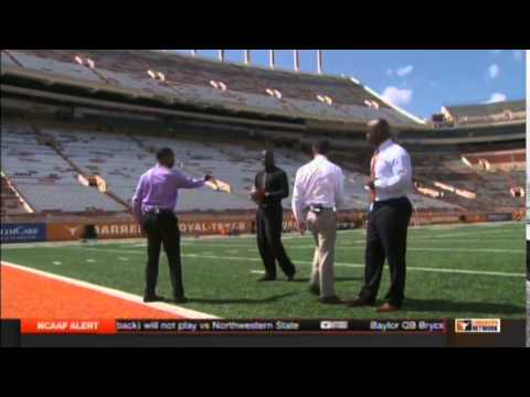 Vince Young breaks down the zone read