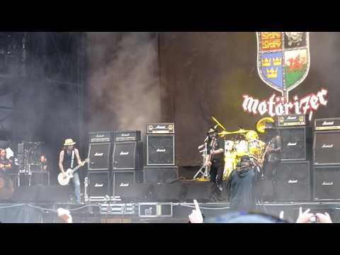 MOTORHEAD @ DOWNLOAD 2010 - JUST 'COS YOU GOT THE POWER (with Slash)