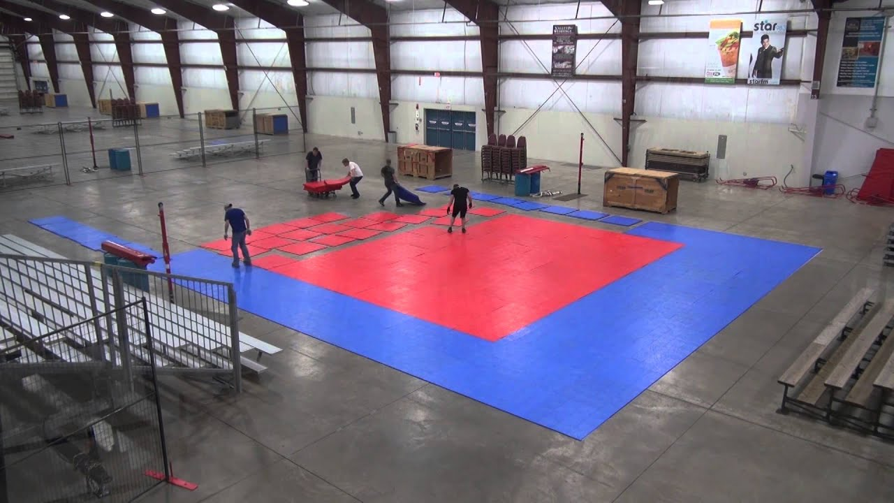 How to build an indoor volleyball court in 1 minute - timelapse ...