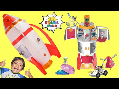 Ryan's World Mega Mystery Rocket Ship! Deluxe Play Set with Surprises!