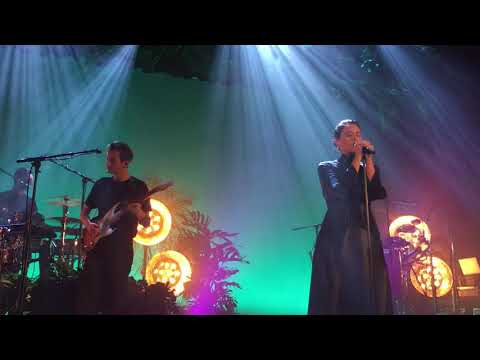 Jessie Ware - Your Domino (Islington Assembly Hall 4/09/17)