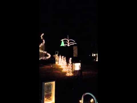 Lake Myra Christmas light show - YouTube