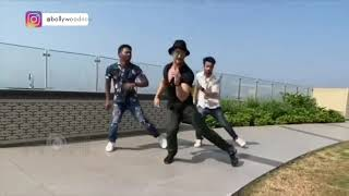 tiger-shroff-stunning-dance-on-ghungroo-toot-gaye-song-tiger-recreates-ghungroo-song-new-hindi-song