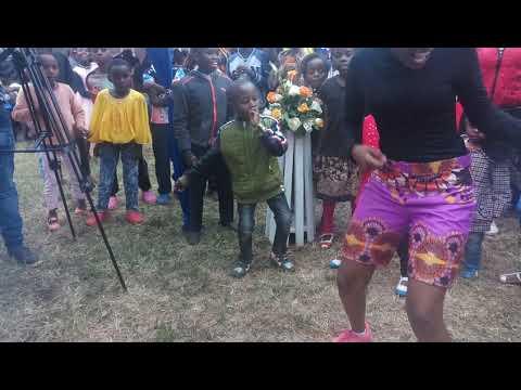 Mukorino dancing Odi dance and Kanyaga lami like a pro.. Mc Acts 0714668240