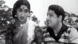 Akkam Pakkam - MGR, Saroja Devi - Neethikku Pin Paasam Tamil Song