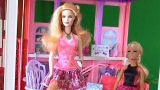 Сериал про куклу Барби, Розали пришла в дом мечты Барби чтоб выбрать наряд