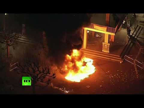 Riot breaks out at UC Berkeley amid protest of Breitbart editor