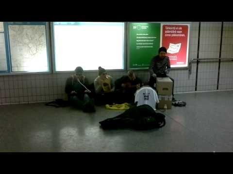 Street performance @Sörnäinen metro station Helsinki - Neljä Ässää