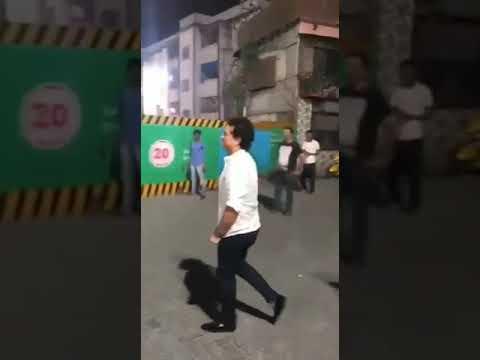Sachin Tendulkar Playing Cricket in Street Latest Viral Video