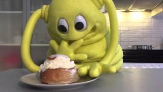 Kiko Blob eating a Semla the proper way