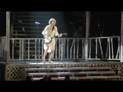 Taylor Swift Our Song in Chicago...