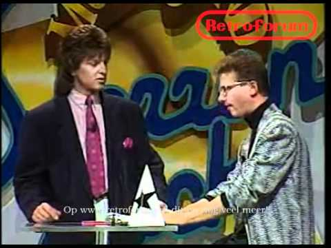 Robert Paul in Veronica Sterrenjacht 1989 doet Dolf Brouwers, Jacques d'Ancona en Barry Stevens na