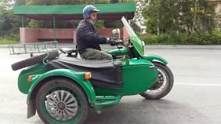 Попался на дороге мотоцикл Урал.Легендарный русский мотоцикл с коляской.В Асбесте.Автопром СССР.
