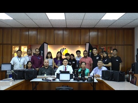 Students Hand Over Videography Equipment To Han Chiang College