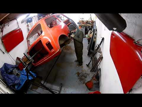 Classic mini restoration - Floor build part 1