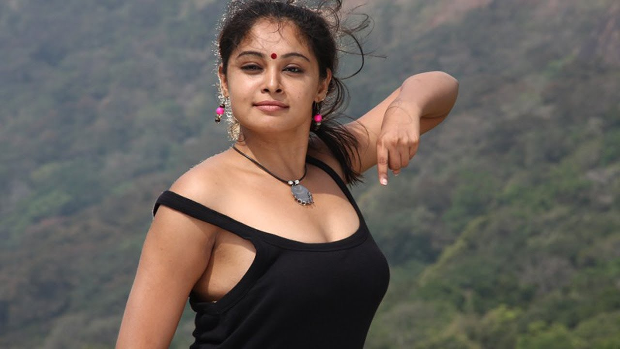 Tamil Actress Arundathis Hot  Sexy Exposing Photoshoot Gallery By 3R -9506