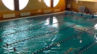 Соревнования по плаванию, дети 7 лет.