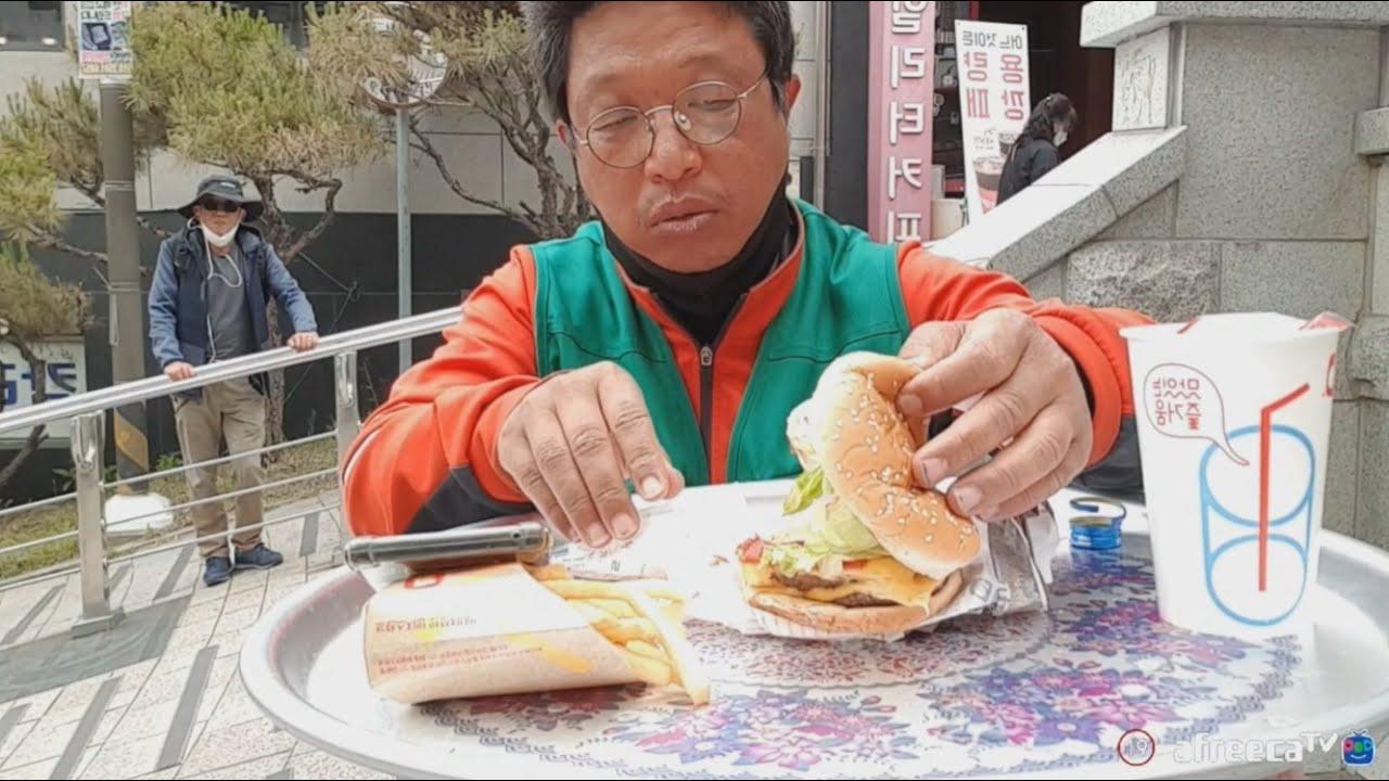 [햄버거 테이크다운] 더블버거 곱하기2+쏘주+길바닥 술먹방
