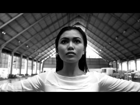 Eeza Zainal - Try (Pink Cover)