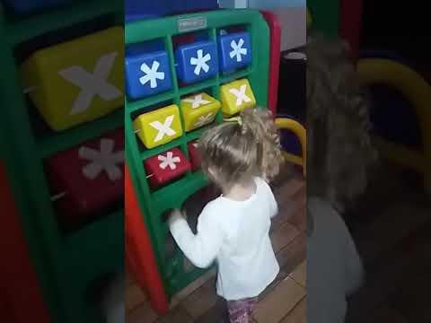 Elisa Brincando na Pizzaria la favorota em Jacarezinho PARANÁ