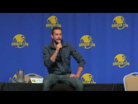 Entire Panel Dragon Con 2017: Zachary Levi makes  laugh and cry in equal measure