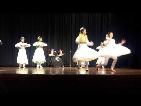 Saraswati vandana dance by students