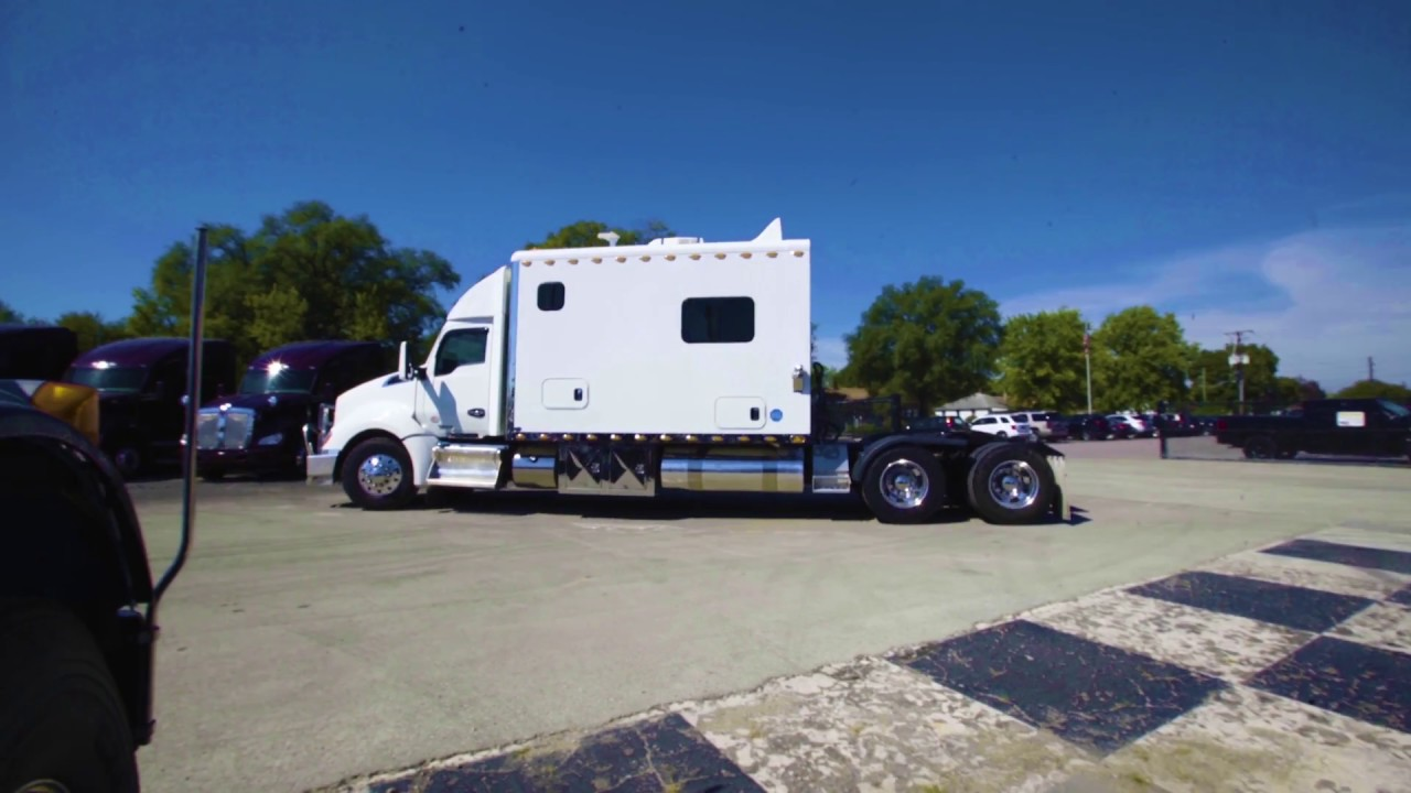 2014 Kenworth T680 156 Custom Sleeper