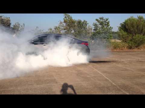 2015 Hyundai Genesis 5.0 burnout