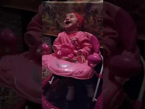 Cute baby laughing ( şirin uşaq gülüşü)