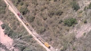 Chepe con Máquina de Construcción llega a Témoris, 28/Apr/2014 メキシコ鉄道建機車両テモリス到着