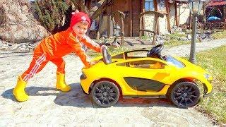 Егорка и Веселая игра с детскими машинками