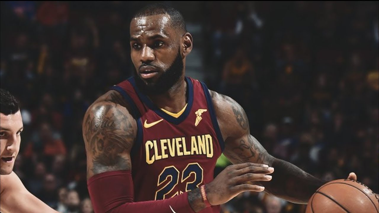 LeBron James Plays Point Guard Wade Demotes to 6th Man Role