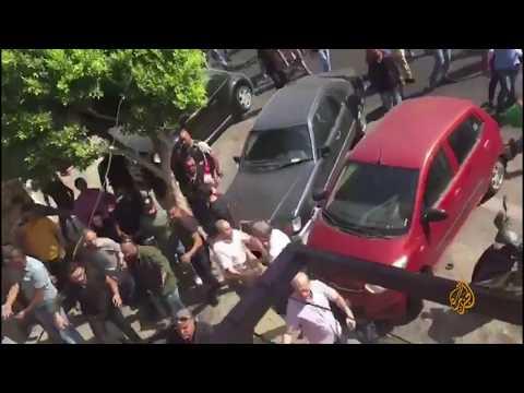 ???? مسلحون يعتدون على المتظاهرين في مدينة صور جنوبي #لبنان  - 19:54-2019 / 10 / 19