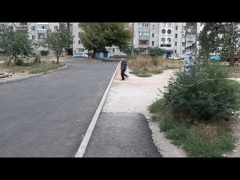 Депутати Житомирської міськради мають претензії до нового асфальту та бордюрів на Польовій
