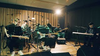 "DAY6 performs ""You Were Beautiful (예뻤어)"" & ""Time of Our Life (한 페이지가 될 수 있게)"" 🎸🥁💥"