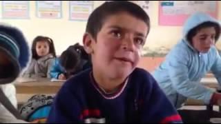 Kötü Adam Taklidi Yapan Çocuk :)