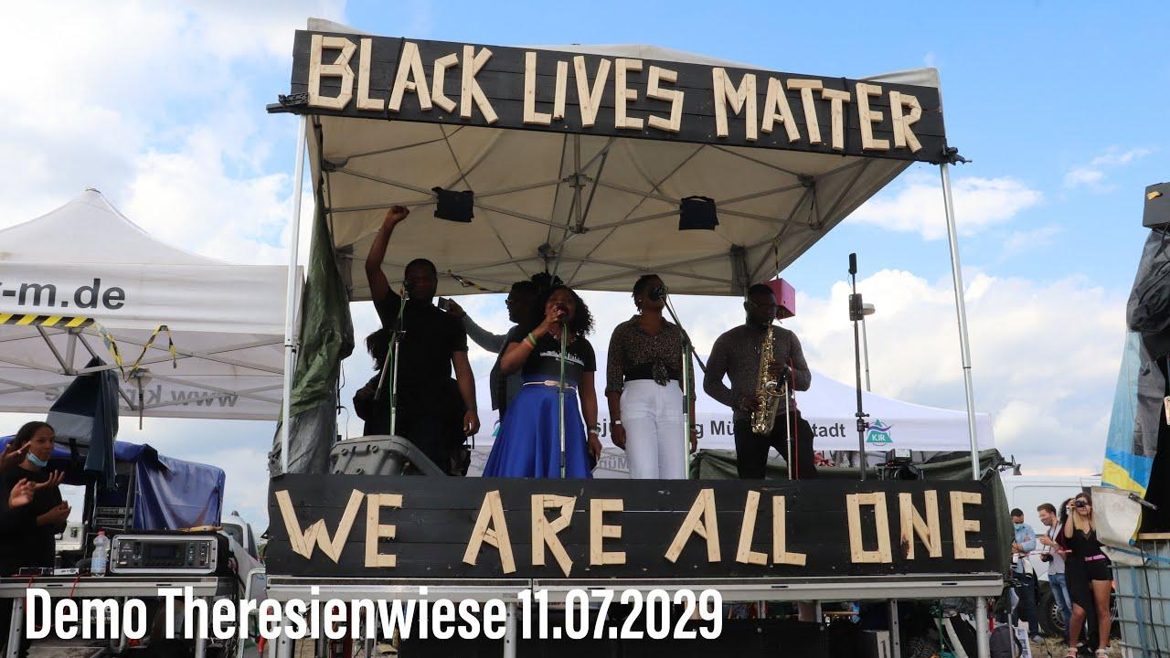 Black Lives Matter Demo - über 1.000 Demonstranten  gegen Rassismus auf der Theresienwiese 11.7.2020