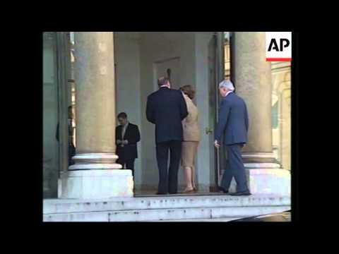 US First Lady Laura Bush meeting President Chirac