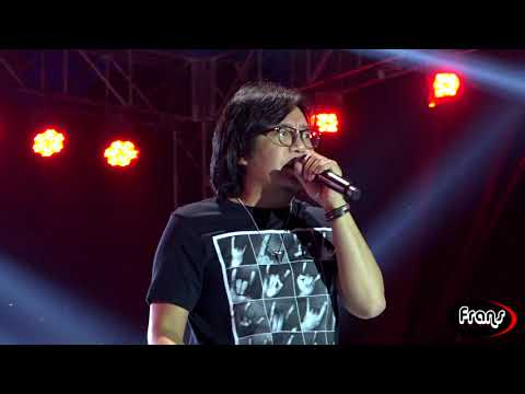 ARI LASSO '' MENGEJAR MATAHARI '' live Pensaga 2017 SMAN3 Semarang