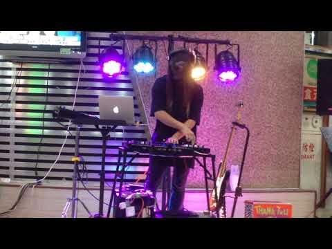 171020 DJ J.C in Fengjia night market#1
