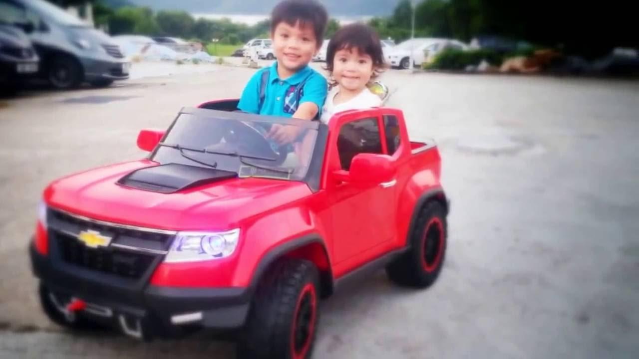 Chevy Power Wheels >> Adam Emma Unboxing Chevy Colorado Power Wheels